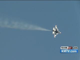 Air Force Thunderbirds inspect Offutt AFB