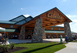 Bass Pro to make bid for Nebraska-based Cabela's