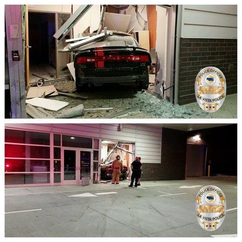 Car crashes into building in La Vista