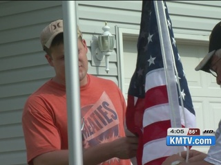 Disabled Veterans receive free American flags