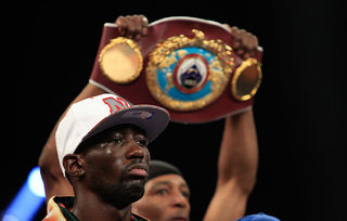 Crawford defeats Molina by TKO, remains unbeaten