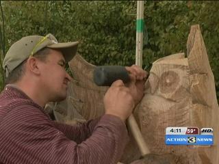 Woodcarvers exhibit at Lauritzen Gardens