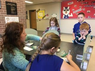 La Vista-Papio students learn banking skills