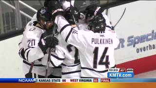 UNO hockey upsets No. 8 Western Michigan