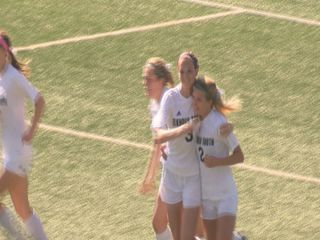Elkhorn South girls move on to state semifinals