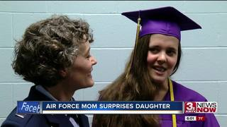 Air Force mom surprises daughter at Bellevue...