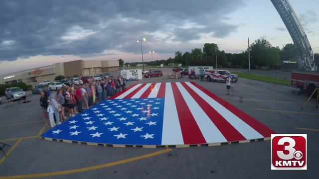 Omaha sets world record with American flag build