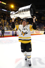 Former Mavs Guentzel & Archibald win Stanley Cup