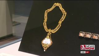 Jocelyn Art Museum exhibit shows jewelry of...