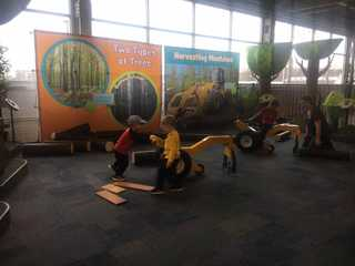 Children's Museum begins touring exhibits